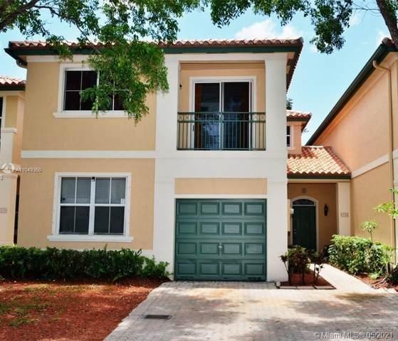 8376 NW 144th St, Miami Lakes, FL 33016 (MLS #A11049350) :: Rivas Vargas Group