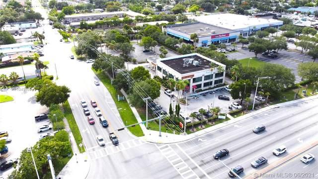 6015 Washington St, Hollywood, FL 33023 (MLS #A11049559) :: Douglas Elliman