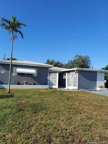 6804 SW 9th St, Pembroke Pines, FL 33023 (MLS #A11049583) :: Albert Garcia Team