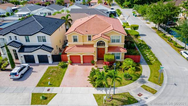 15501 SW 21st Ter, Miami, FL 33185 (MLS #A11049765) :: The Riley Smith Group