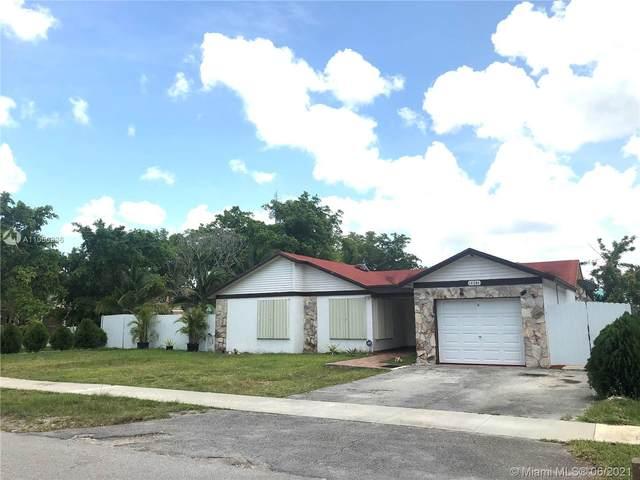 14206 SW 154th St, Miami, FL 33177 (MLS #A11050936) :: Team Citron