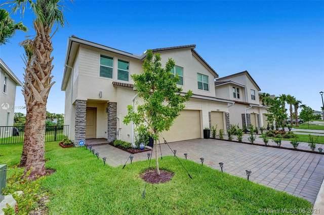 4336 Veleiros Ave, Deerfield Beach, FL 33064 (MLS #A11050971) :: Vigny Arduz | RE/MAX Advance Realty