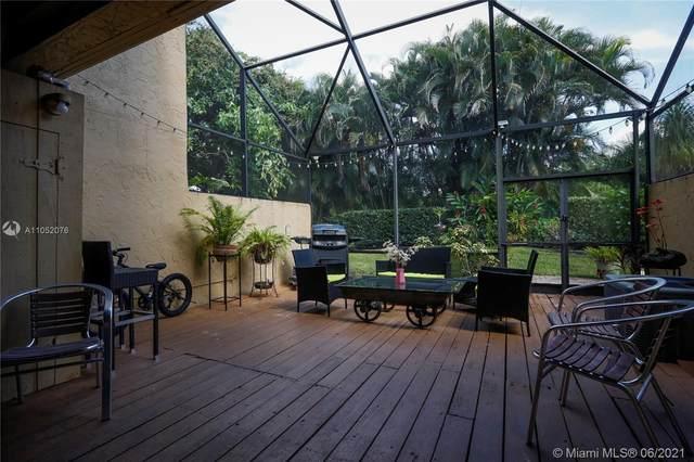 760 E Coco Plum Cir #5, Plantation, FL 33324 (MLS #A11052076) :: Berkshire Hathaway HomeServices EWM Realty