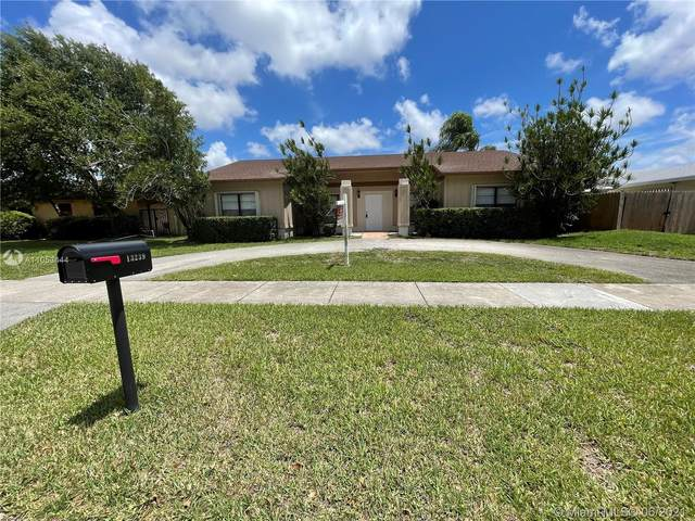 13239 SW 87th Ter, Miami, FL 33183 (MLS #A11053444) :: The Riley Smith Group