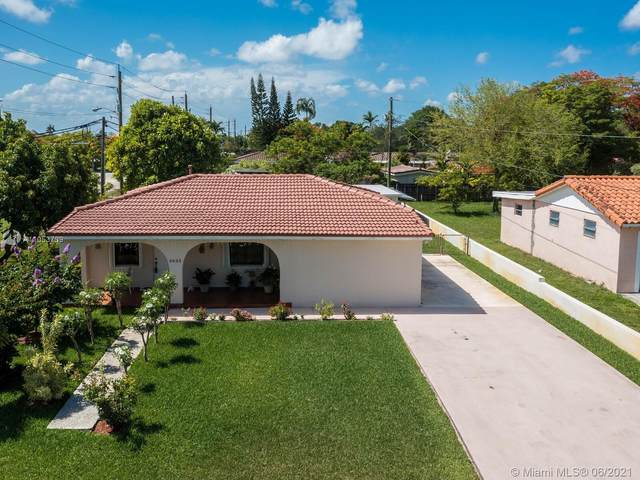 6635 SW 45th St, Miami, FL 33155 (MLS #A11053739) :: The Riley Smith Group