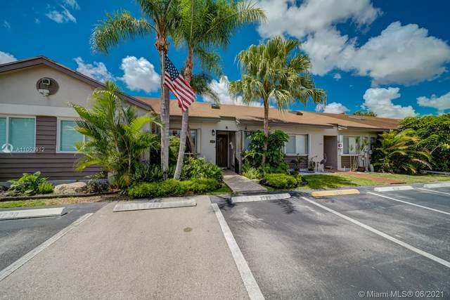 2722 SW 55th St, Dania Beach, FL 33312 (MLS #A11053912) :: The Riley Smith Group