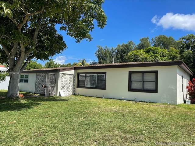 1649 NE 171st St, North Miami Beach, FL 33162 (MLS #A11053968) :: The Riley Smith Group