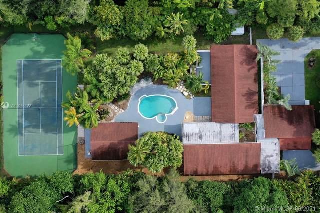 12120 SW 88th Ave, Miami, FL 33176 (MLS #A11054128) :: Equity Advisor Team