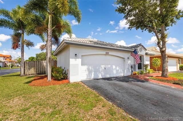 6020 Swinden Ln, Davie, FL 33331 (MLS #A11055401) :: Prestige Realty Group