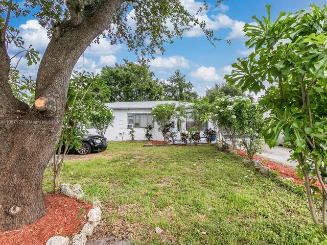 6025 Wiley St, Hollywood, FL 33023 (MLS #A11057127) :: Green Realty Properties