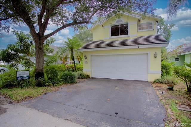 8823 Ivy Ct, Davie, FL 33328 (MLS #A11057983) :: Search Broward Real Estate Team
