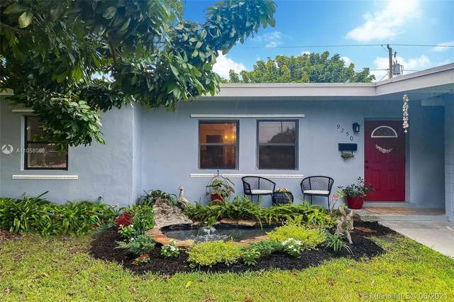 9250 Nautilus Dr, Cutler Bay, FL 33189 (MLS #A11058066) :: The Riley Smith Group