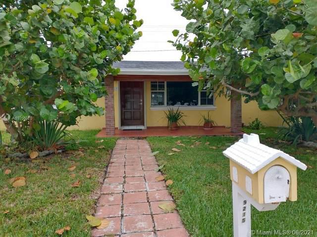 9215 SW 45th St, Miami, FL 33165 (MLS #A11058620) :: Team Citron