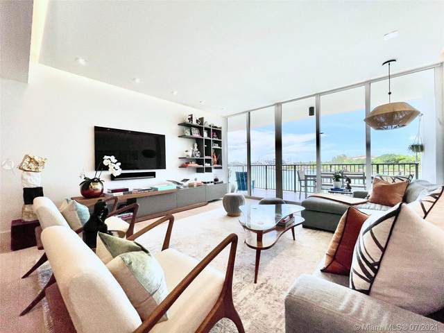 1000 Venetian Way #302, Miami, FL 33139 (MLS #A11061973) :: Castelli Real Estate Services