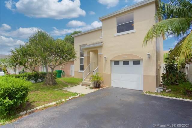 4344 SW 72nd Way, Davie, FL 33314 (MLS #A11061979) :: The Rose Harris Group