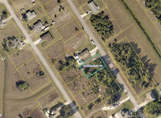 3030 Nw Beechwood Cir, La Belle, FL 33935 (MLS #A11063024) :: Douglas Elliman