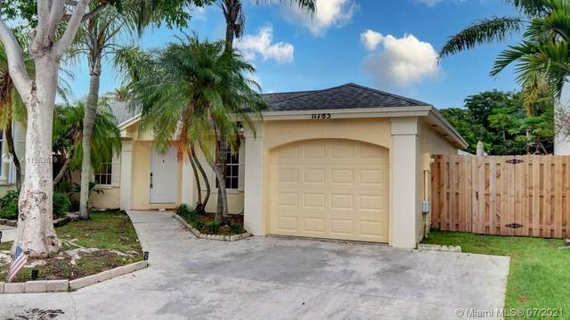11783 SW 99th Lane, Miami, FL 33186 (MLS #A11063619) :: Team Citron