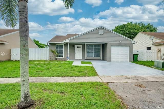 8619 SW 14th Street, Pembroke Pines, FL 33025 (MLS #A11063643) :: Team Citron