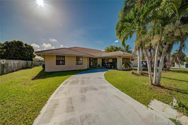 3097 SW 111th Ave, Miami, FL 33165 (MLS #A11063985) :: The Teri Arbogast Team at Keller Williams Partners SW