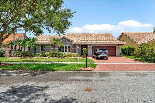 581 NW 162nd Ave, Pembroke Pines, FL 33028 (MLS #A11064685) :: Equity Advisor Team