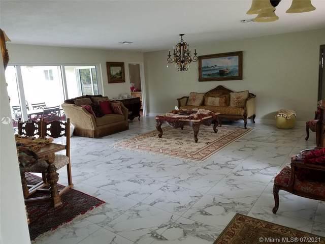 825 Washington St, Hollywood, FL 33019 (MLS #A11065458) :: Prestige Realty Group