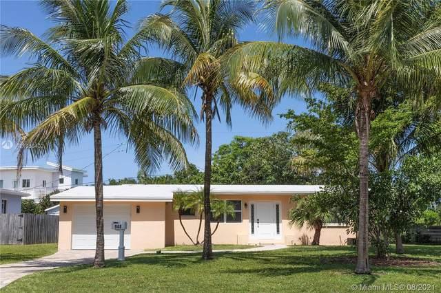 948 SE 14th Ave, Deerfield Beach, FL 33441 (MLS #A11066402) :: The Teri Arbogast Team at Keller Williams Partners SW