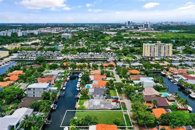 13080 Coronado Ter, North Miami, FL 33181 (MLS #A11066951) :: Rivas Vargas Group