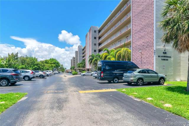901 NE 14 AV #104, Hallandale Beach, FL 33009 (#A11068428) :: Dalton Wade