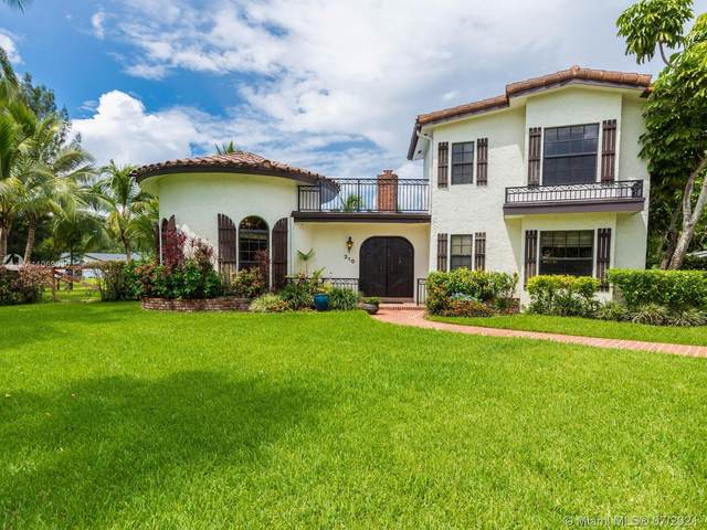 310 SW 120th Ter, Plantation, FL 33325 (MLS #A11069030) :: The Rose Harris Group