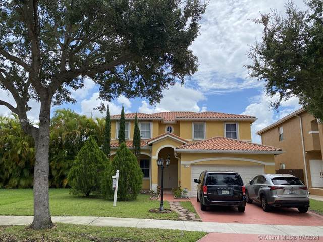 6121 SW 157th Pl, Miami, FL 33193 (MLS #A11069493) :: Prestige Realty Group