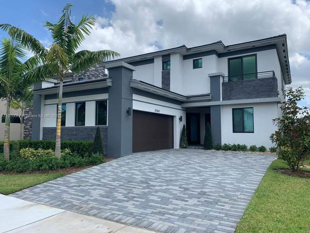 10940 Vista Ter, Parkland, FL 33076 (MLS #A11070087) :: Rivas Vargas Group