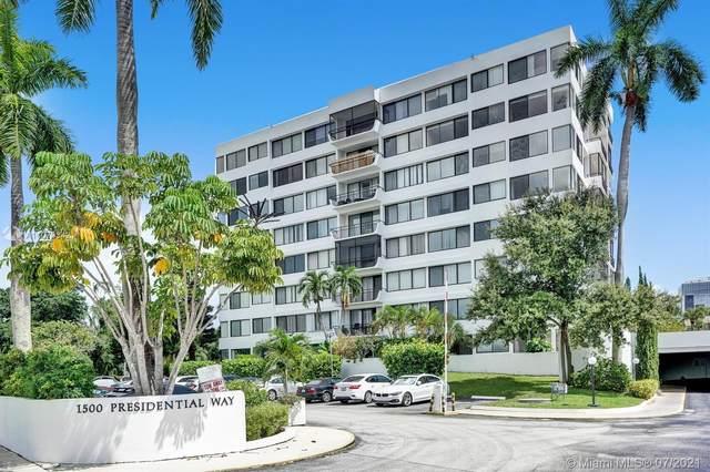 1500 Presidential Way #202, West Palm Beach, FL 33401 (#A11073342) :: Dalton Wade