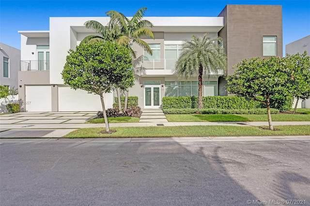 6810 NW 105th Av, Doral, FL 33178 (MLS #A11073557) :: Prestige Realty Group