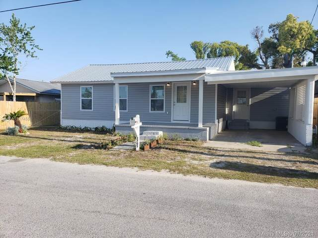 2705 E 2nd, Other City - In The State Of Florida, FL 32401 (MLS #A11074551) :: Berkshire Hathaway HomeServices EWM Realty