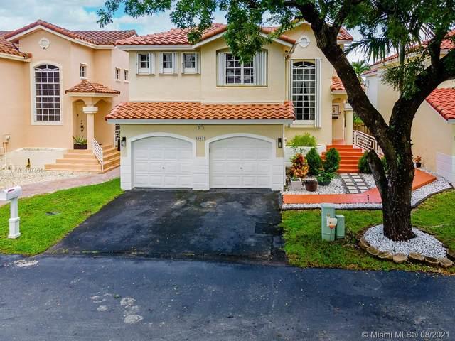 15425 SW 50th Ln, Miami, FL 33185 (MLS #A11074614) :: KBiscayne Realty