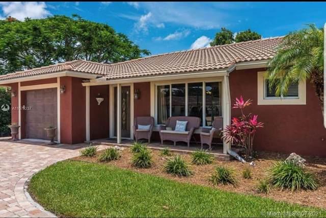 2099 Sharon St, Boca Raton, FL 33486 (MLS #A11075237) :: The Paiz Group
