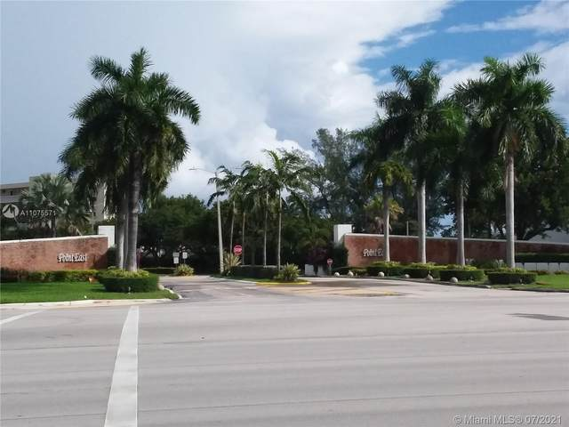 2905 Point East Dr L110, Aventura, FL 33160 (MLS #A11075571) :: The Howland Group