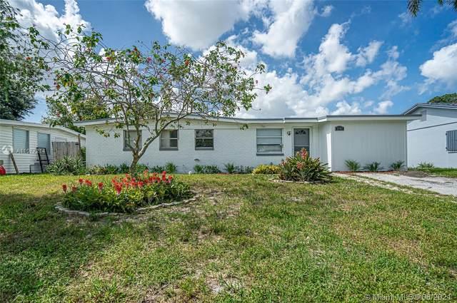 3762 Everglades Rd, Palm Beach, FL 33410 (MLS #A11077214) :: Equity Advisor Team