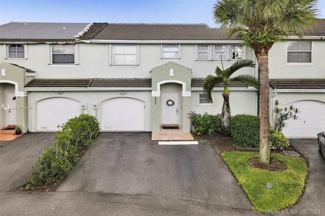 4842 Grapevine Way, Davie, FL 33331 (MLS #A11078446) :: ONE   Sotheby's International Realty