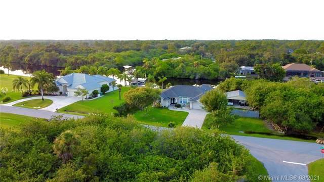 1460 Moree St, Port Charlotte, FL 33953 (MLS #A11078910) :: Castelli Real Estate Services