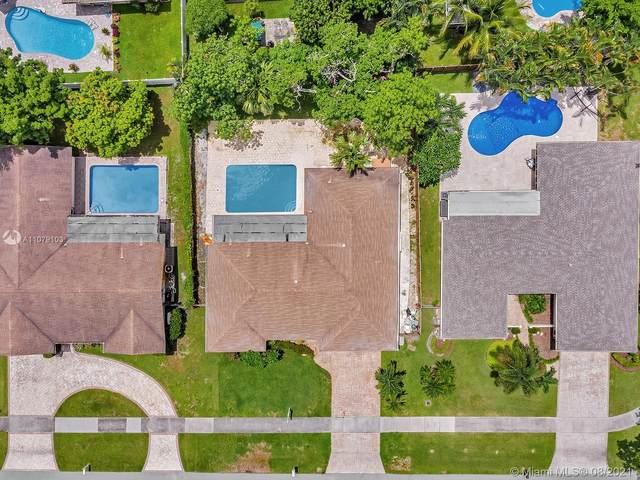 8404 SW 26th St, Davie, FL 33324 (MLS #A11079103) :: The Rose Harris Group