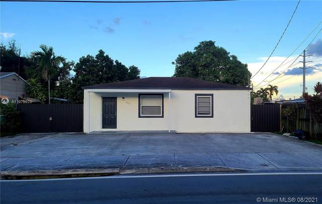 325 SW 67th Ave, Miami, FL 33144 (MLS #A11079629) :: The Rose Harris Group