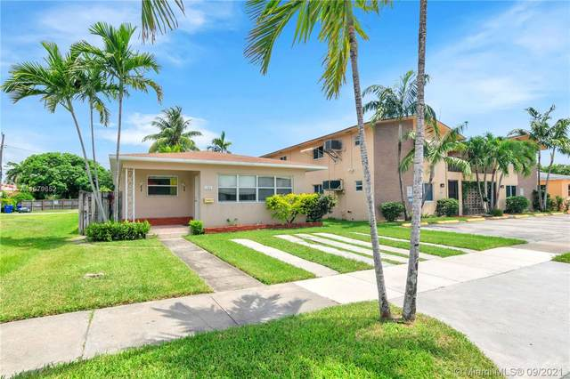 1735 Mayo St, Hollywood, FL 33020 (MLS #A11079652) :: The Rose Harris Group