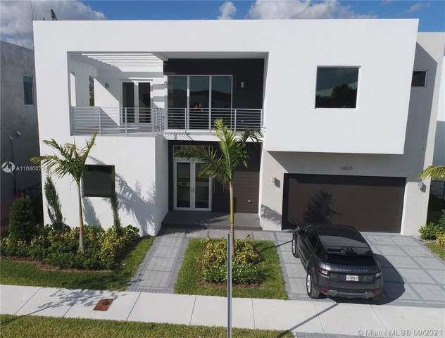 10025 NW 77th St, Doral, FL 33178 (MLS #A11080023) :: Vigny Arduz | RE/MAX Advance Realty