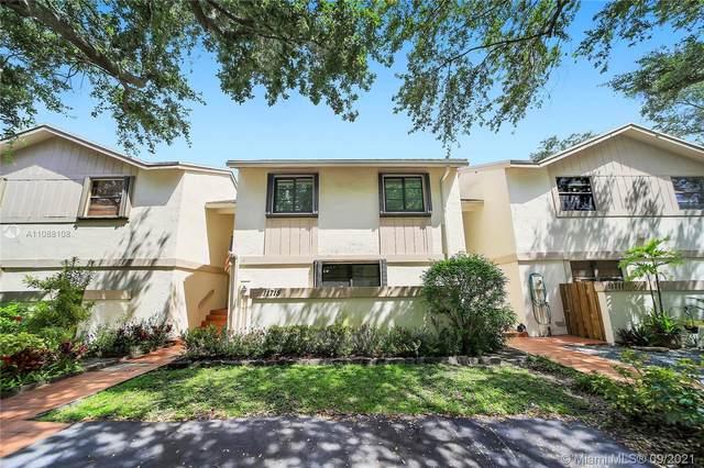 11715 SW 92nd Terrace, Miami, FL 33186 (MLS #A11088108) :: Green Realty Properties
