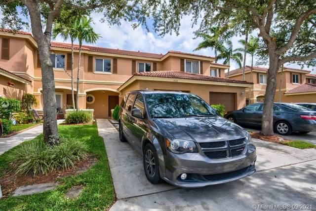 7112 Hawks Nest, Riviera Beach, FL 33407 (MLS #A11091339) :: Castelli Real Estate Services