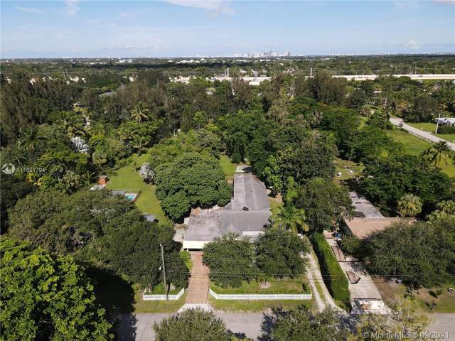 216 Bayberry Dr, Plantation, FL 33317 (MLS #A11091794) :: CENTURY 21 World Connection