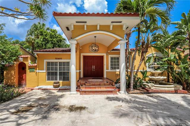 1419 Wiley St, Hollywood, FL 33020 (MLS #A11091909) :: KBiscayne Realty
