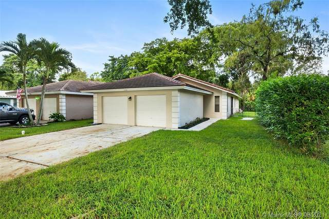 1512 NW 93rd Ter, Coral Springs, FL 33071 (MLS #A11092098) :: CENTURY 21 World Connection