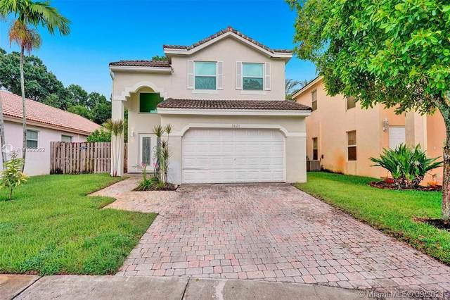 1621 SW 102 Ave, Pembroke Pines, FL 33025 (MLS #A11092952) :: Green Realty Properties